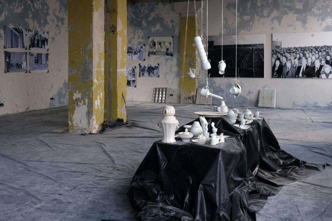 """На будівництві арт-центру Avangarden у Києві  відкрили виставку """"Еклектика спогадів"""""""